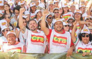 Trabalhadores lutam contra o desmonte da CLT