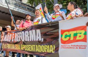 Centrais prometem coletar 1 milhão de assinaturas contra a reforma