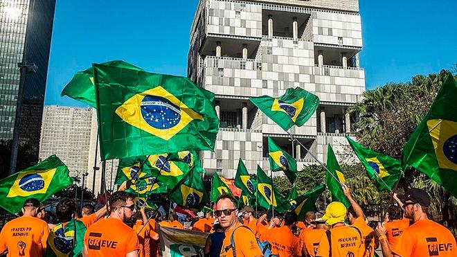 Após abertura de diálogo com a Petrobras, FUP indica suspensão da greve
