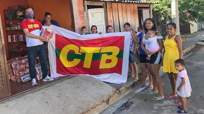 Sinpro distribui cestas básicas para comunidade em Campinas