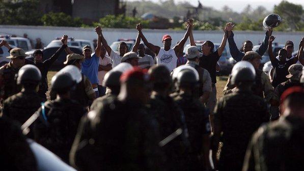 greve-pm-salvador-20120206-07