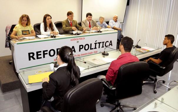 ALESSANDRA CAMPeLO REFORMA POLITICA 605x381