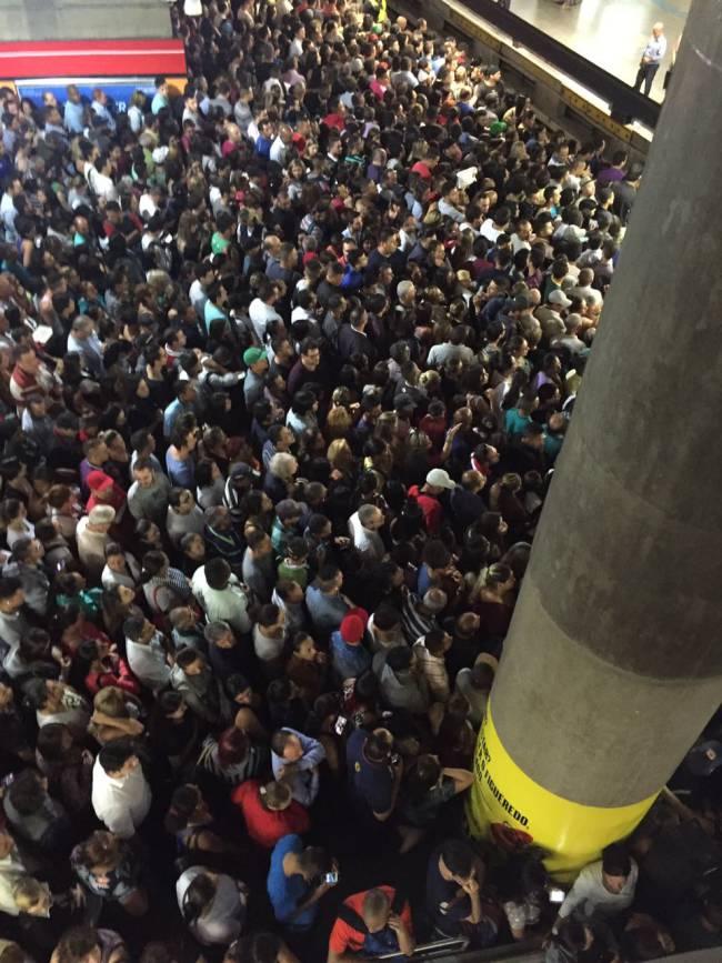 metro sc3a9 caos 2